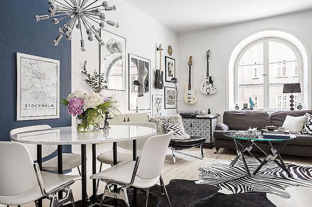 Inspirasi dekorasi ruang tamu apartemen kecil yang berani